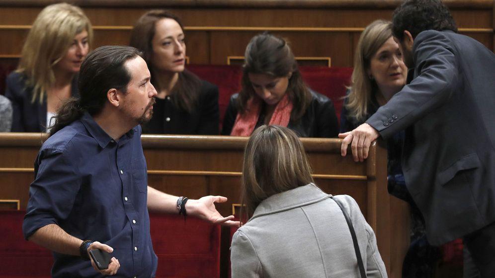 Foto: El líder de Podemos, Pablo Iglesias, en su escaño del hemiciclo del Congreso de los Diputados, antes del inicio de la sesión solemne de la apertura de las Cortes en la XII Legislatura (EFE)