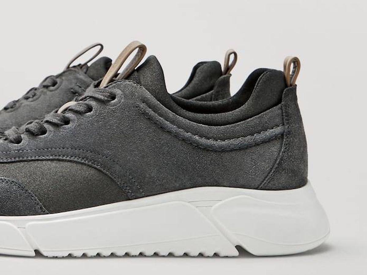 Foto: Zapatillas deportivas de Massimo Dutti. (Cortesía)