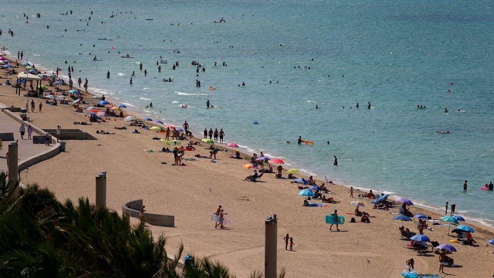 Rebrotes, cuarentenas e incertidumbre: el turismo firma un verano apático en bolsa