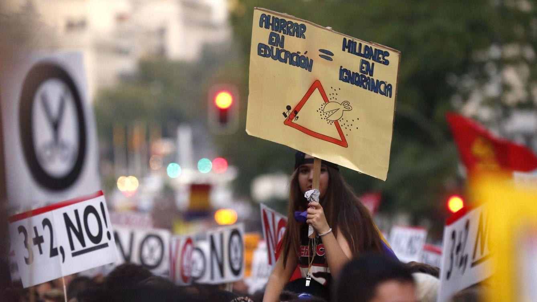 Foto: Manifestación contra la LOMCE y las reválidas del 26 de octubre de 2016. (Efe/Kiko Huesca)