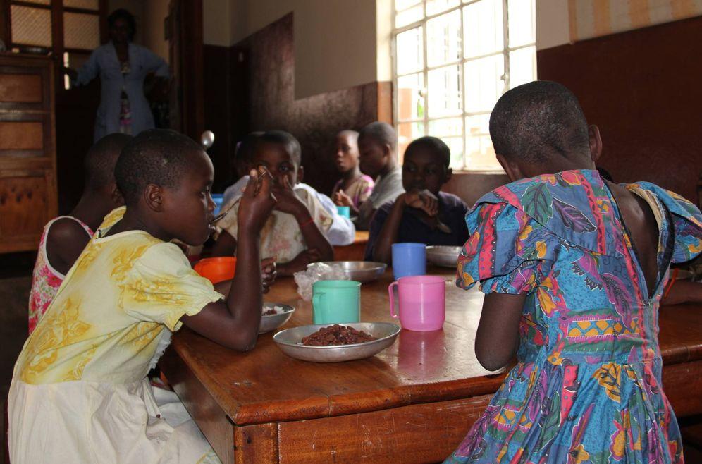 Foto: Menores del centro Ekabana. Algunas de las niñas han sido acusadas de brujeria. (T. Deiros)