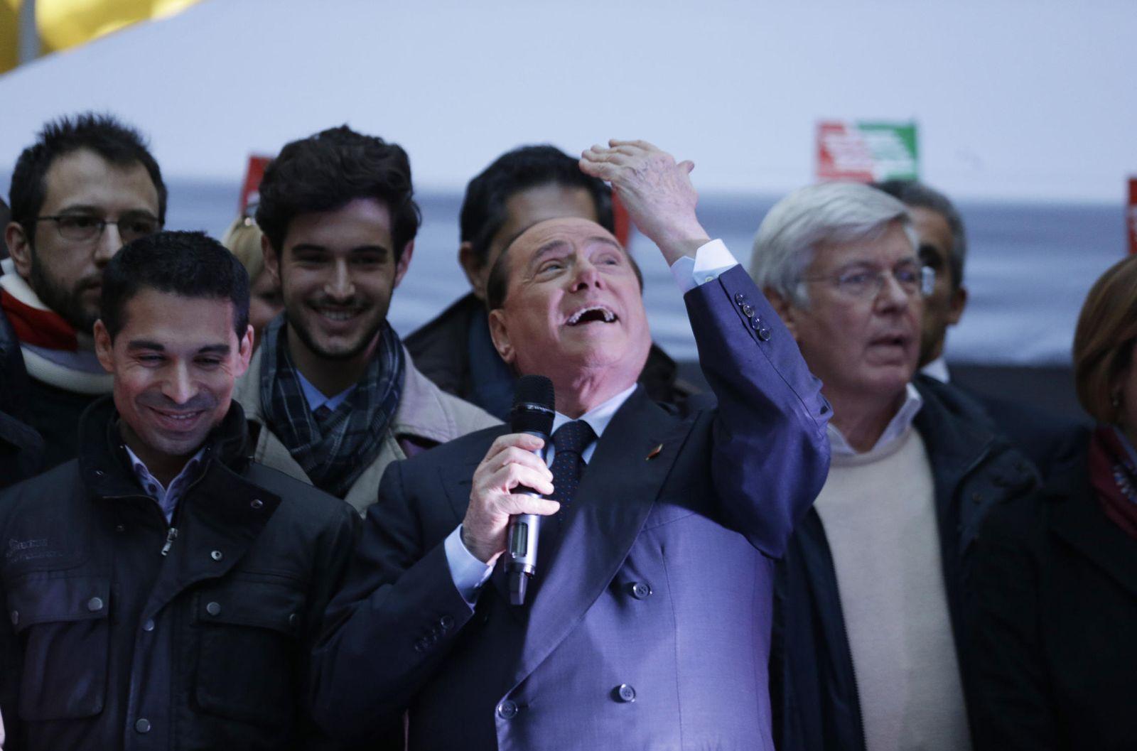 Foto: Silvio Berlusconi en un acto de partido (Gtries)