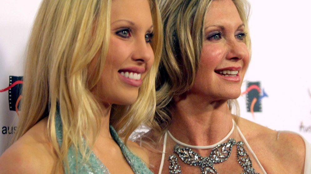 Foto: Olivia Newton-John junto a su hija Chloe en una imagen de archivo. (Gtres)