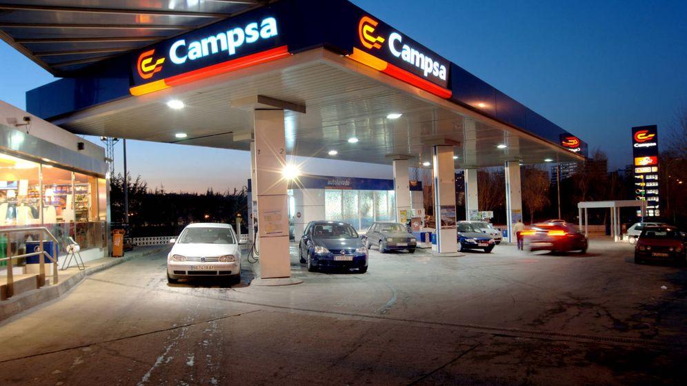 Foto: A los coches diésel y de gasolina todavía les queda un futuro.