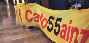 Post de El robo de una pancarta en el GP de España de F1 que indigna y moviliza a Sainz