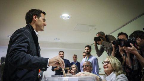 Albert Rivera acude a votar en las elecciones municipales e insta a Sánchez a tender la mano en los pactos