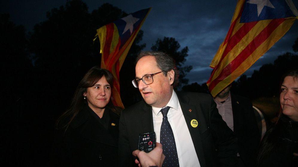 Foto: El presidente de la Generalitat, Quim Torra, a su salida de la prisión de Mas d'Enric tras visitar a la expresidenta del Parlament Carme Forcadell. (EFE)