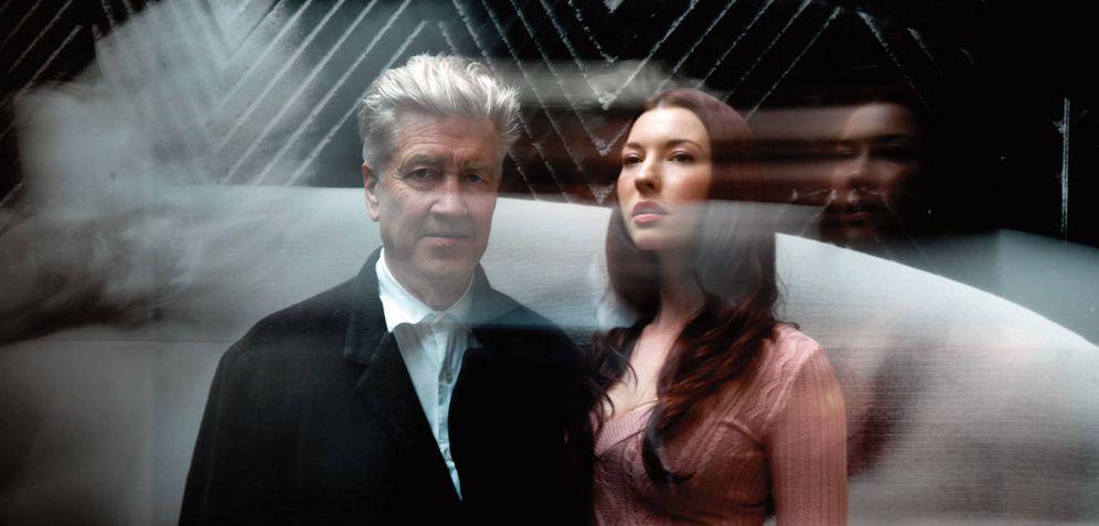Foto: David Lynch y Chrysta Bell en una imagen promocional