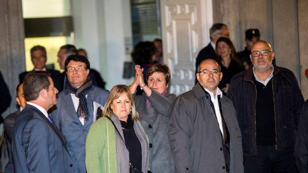 Foto: Los miembros de la Mesa Lluís Corominas, Lluís Guinó, Anna Simó y Ramona Barrufet. (EFE)