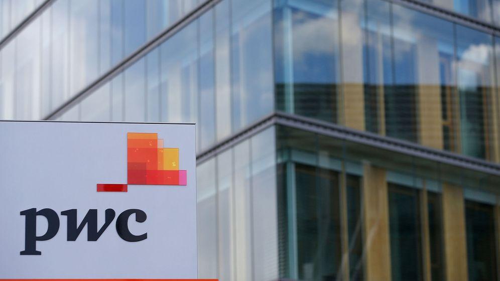 Foto: El emblema de la empresa frente a sus oficinas en Luxemburgo. (Reuters)