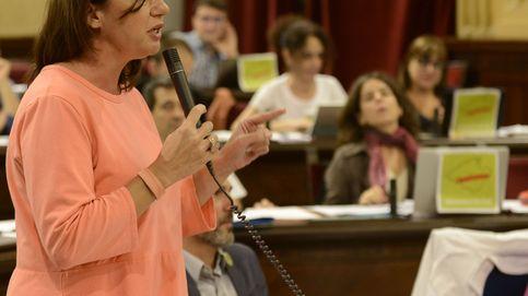 Armengol pide a Puigdemont que no declare la independencia