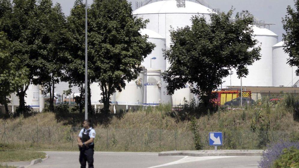 Foto: La policía francesa rodea la sede de Air Products en Francia (EFE)