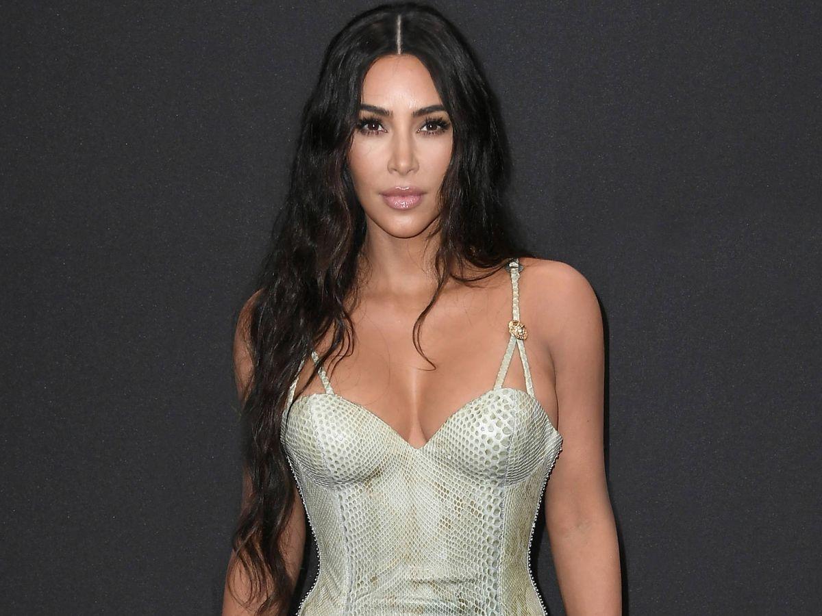 Foto: Kim Kardashian, con su habitual melena XXL. (Getty)