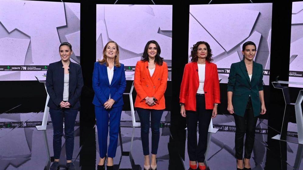 Foto: Irene Montero, Ana Pastor, Inés Arrimadas, María Jesús Montero y Rocío Monasterio. (Atresmedia)