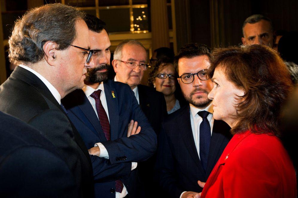 Foto: Carmen Calvo, con el 'president', Quim Torra, y su número dos, Pere Aragonès (d), y el jefe del Parlament, Roger Torrent, el pasado 10 de octubre. (EFE)