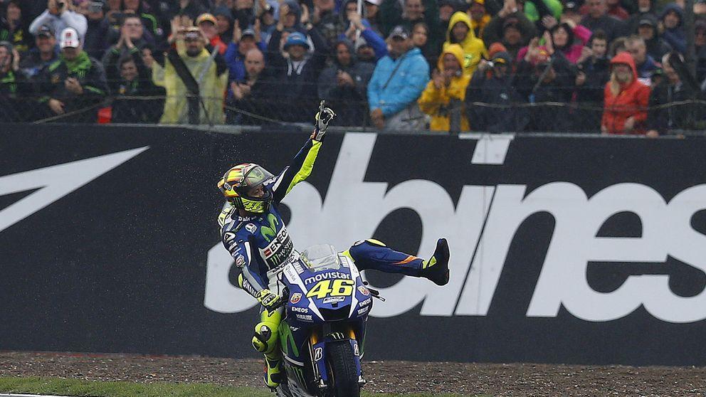 Rossi golpea la moral de Lorenzo el día que Márquez dijo adiós al Mundial