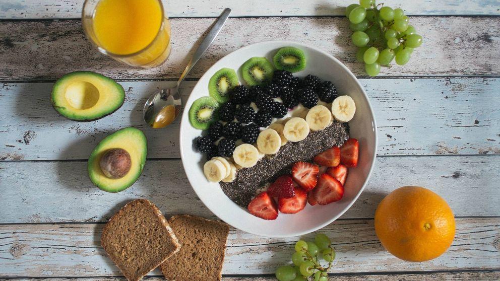 Alimentos recomendados y otros a evitar para seguir una dieta antiinflamatoria