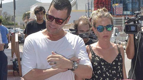Dolor y rabia en la familia de Ángel Nieto en el tanatorio de Ibiza
