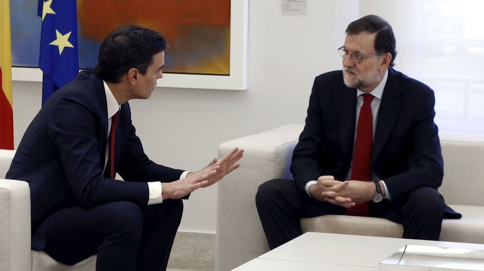 Foto: El presidente del Gobierno, Mariano Rajoy (d), y el líder del PSOE, Pedro Sánchez. (EFE)