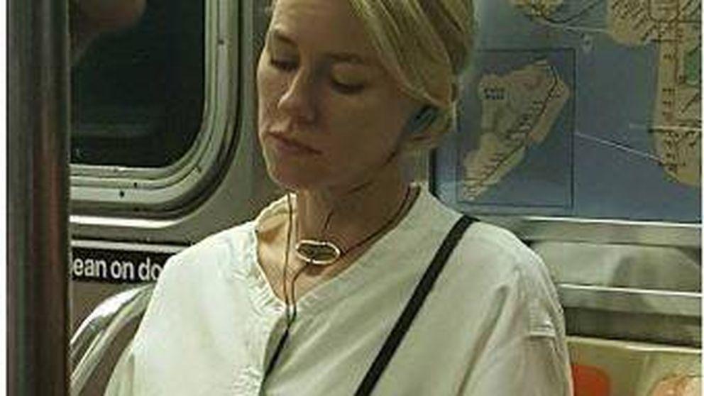 La venganza de Naomi Watts contra la chica que le hizo una foto en el metro