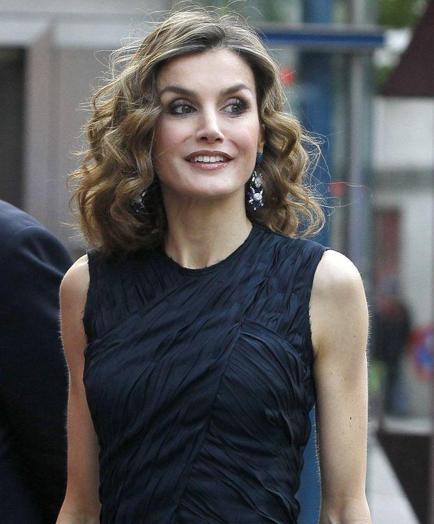 Foto: La Reina a su llegada a los cines Callao (EFE)