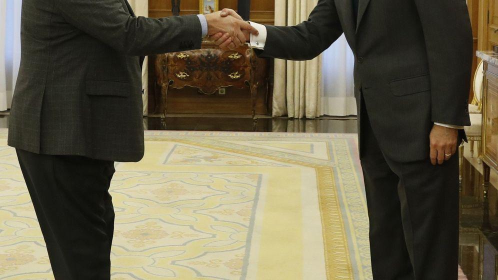 Foto: El rey Felipe recibe al diputado de Foro Asturias Isidro Martínez Oblanca (EFE)