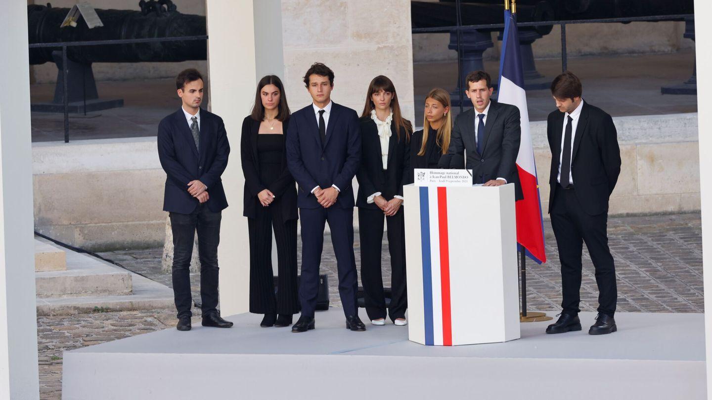 Algunos de los hijos y nietos del actor, durante el homenaje. (Reuters)