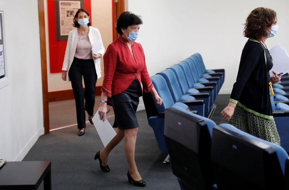 Foto: Las ministras de Hacienda, Educación e Industria, María Jesús Montero, Isabel Celaá y Reyes Maroto, este 16 de junio en la Moncloa. (EFE)