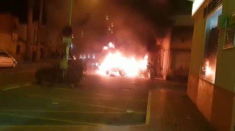 Agreden a un hombre y queman su coche con gasolina en San Isidro (Alicante)