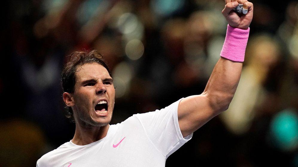 Foto: Rafa Nadal celebra su victoria contra Medvedev tras un intenso duelo en Londres. (EFE)