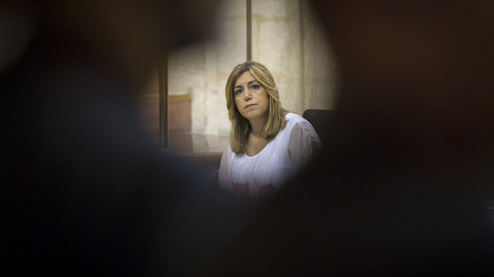 Foto: La presidenta andaluza, Susana Díaz, en su escaño durante la sesión de control al ejecutivo. (EFE)