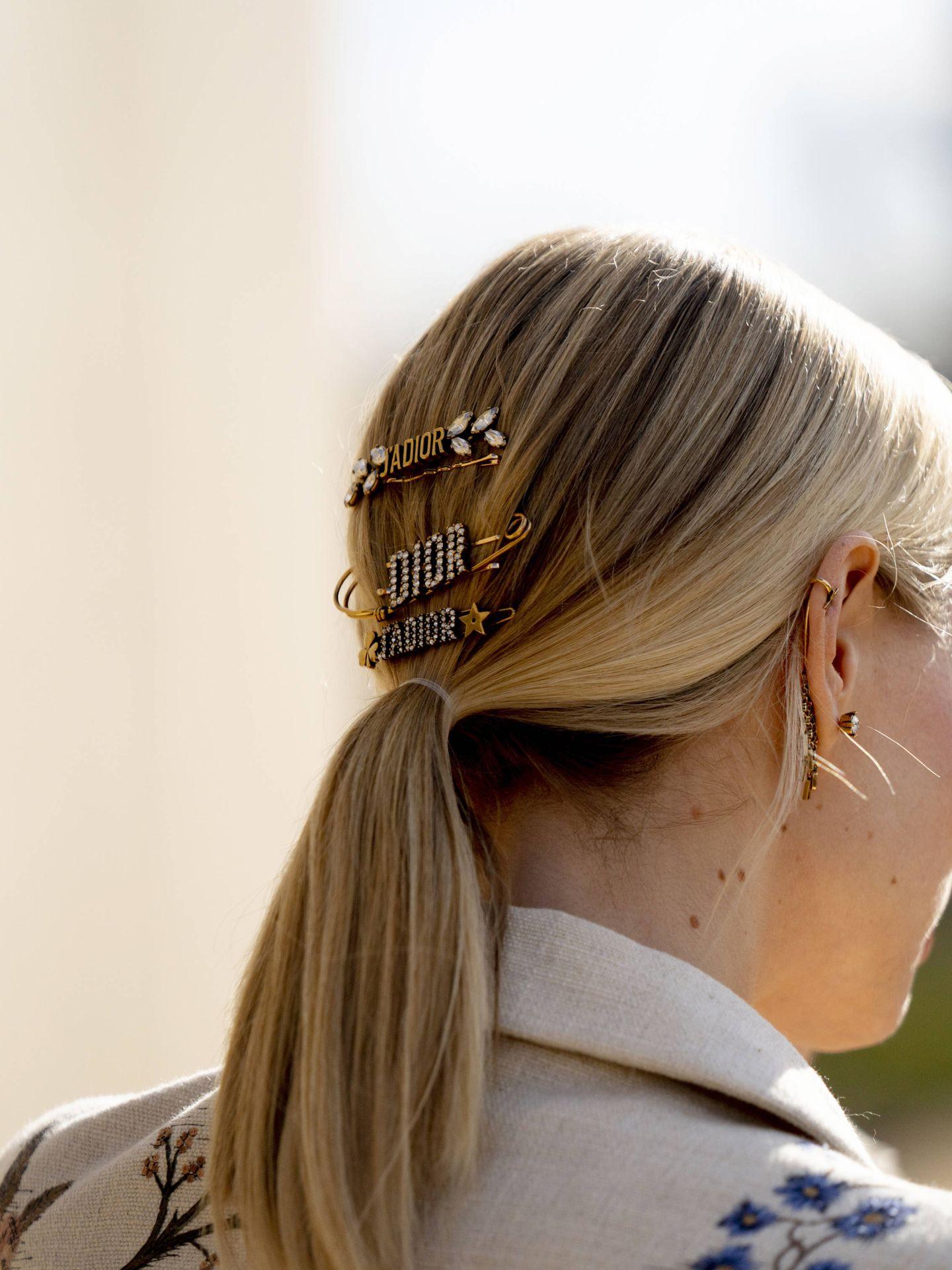 Varias horquillas de Dior. (Imaxtree)