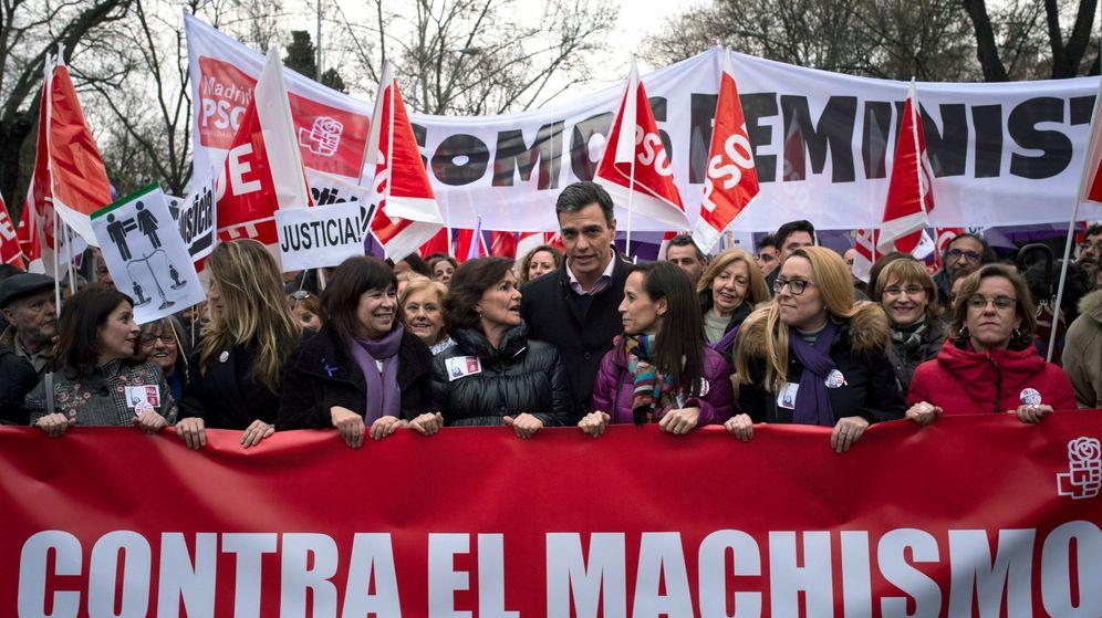 Foto: Pedro Sánchez el pasado 8 de marzo en la manifestación por el día internacional de la Mujer Trabajadora. (EFE)
