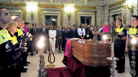 Carmena perpetúa entierros clasistas (según el galón) en la Policía Municipal