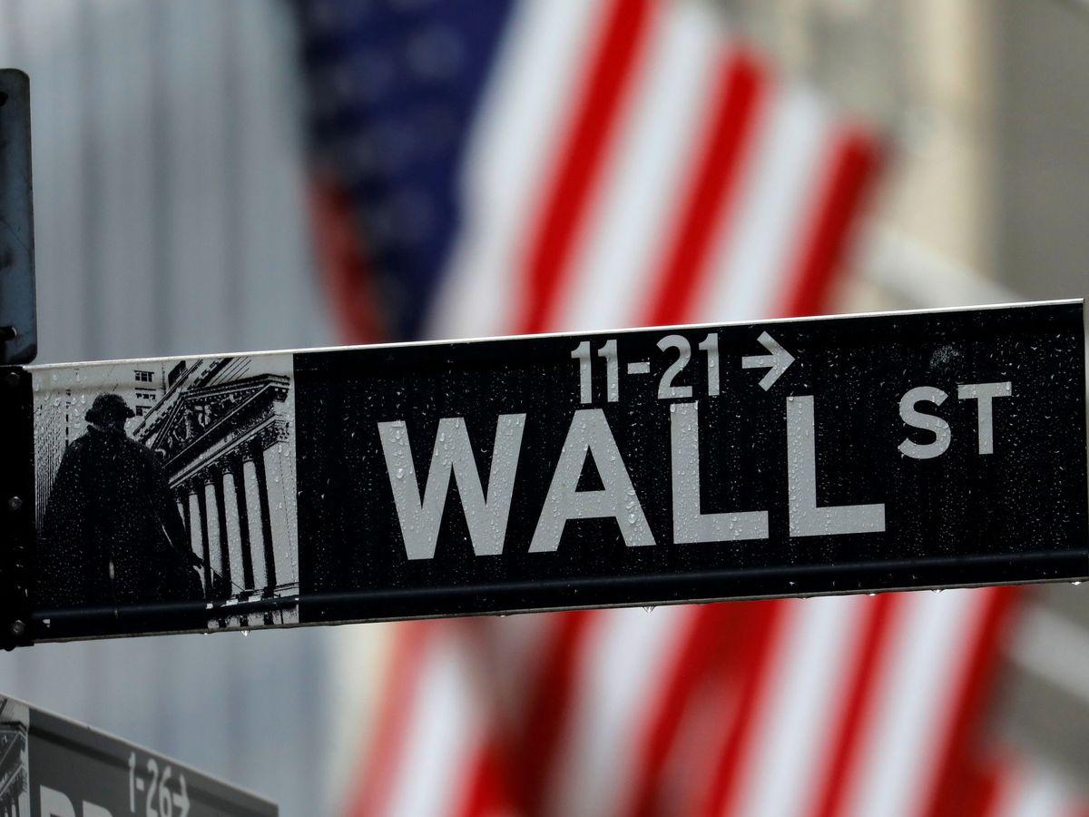 Foto: Letrero de Wall Street en Nueva York. (Reuters)