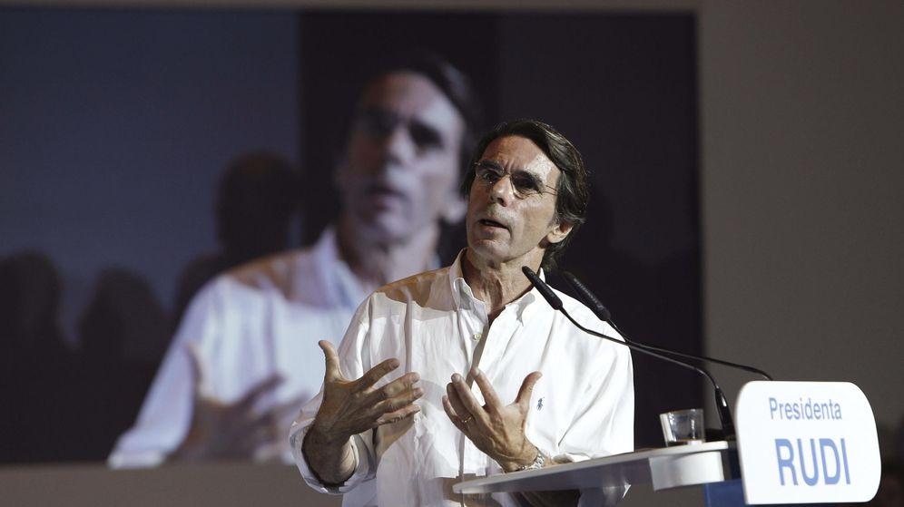 Foto: El expresidente del Gobierno, José María Aznar, interviene en un acto de campaña. (EFE)