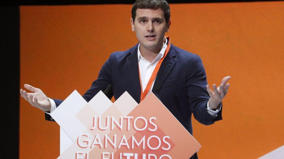 Foto: El presidente de Ciudadanos, Albert Rivera, durante su intervención en la IV Asamblea General del partido. (EFE)