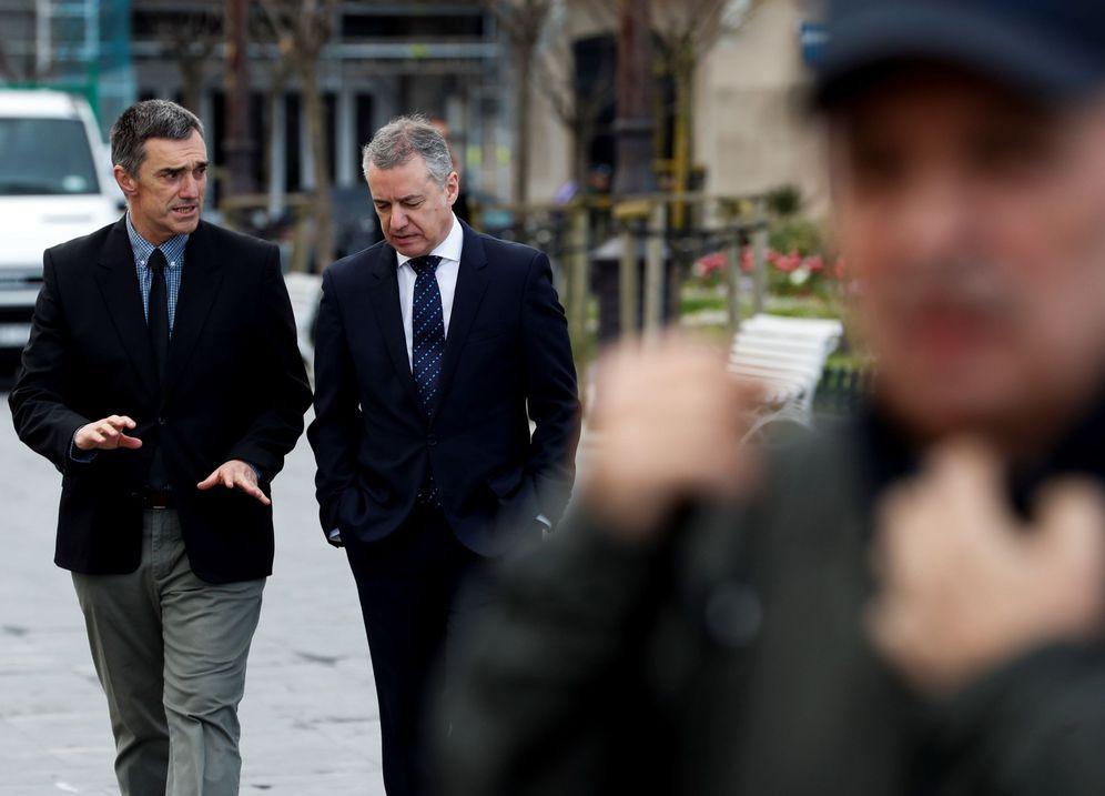 Foto: Jonan Fernández (izquierda) e Iñigo Urkullu. (EFE)