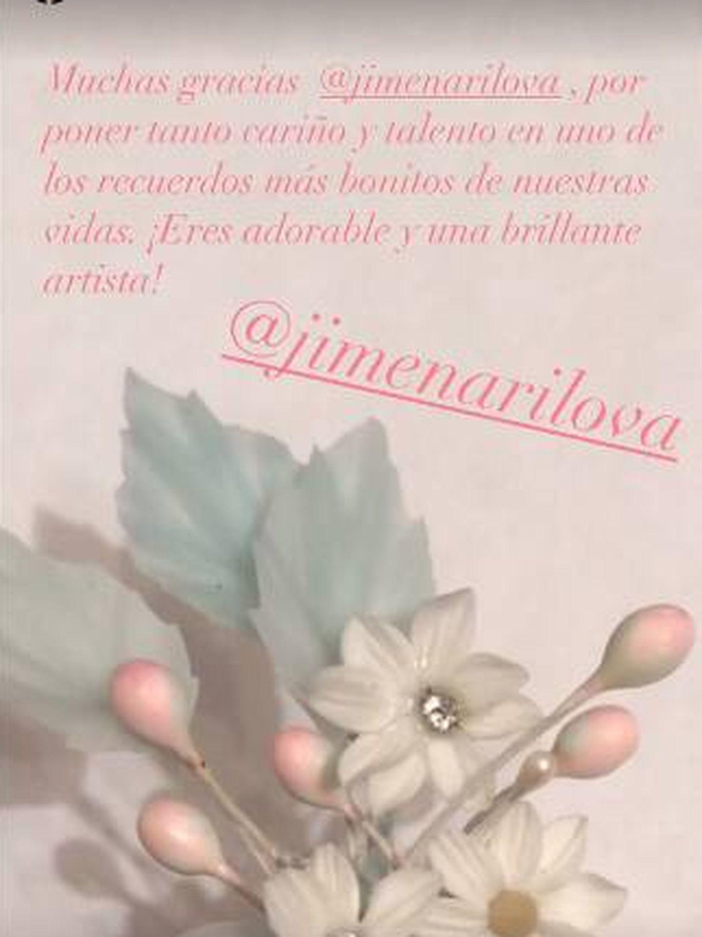 Detalle del adorno floral del tocado de la hija de Paloma Cuevas. (IG)