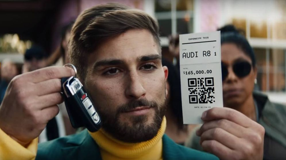 Foto: Captura del videoclip donde se ve el código QR para ganar el Audio R8. (CC)