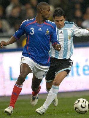 Abidal se queda en Barcelona y podría ser presentado