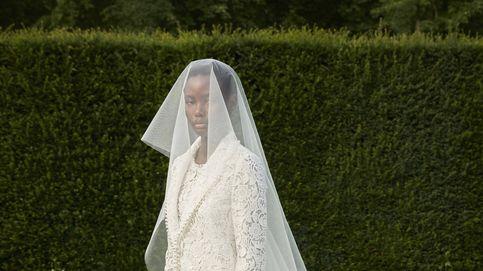 Giambattista Valli lanza su primera colección de vestidos de novia