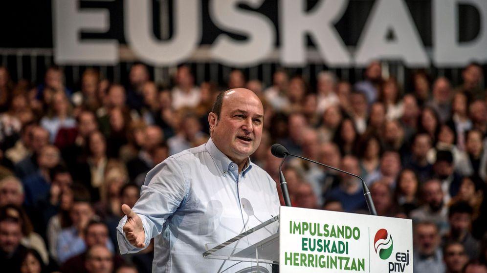 Foto: El presidente del PNV, Andoni Ortuzar en un acto electoral (Efe)