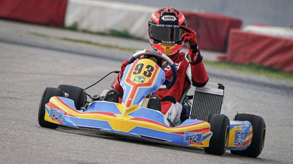 Una peineta de Marc Márquez, un kart de Fernando Alonso y un hombro