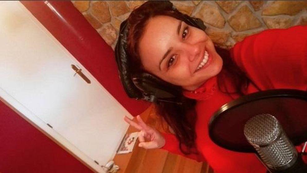 Chenoa, de rojo pasión para grabar su nuevo disco