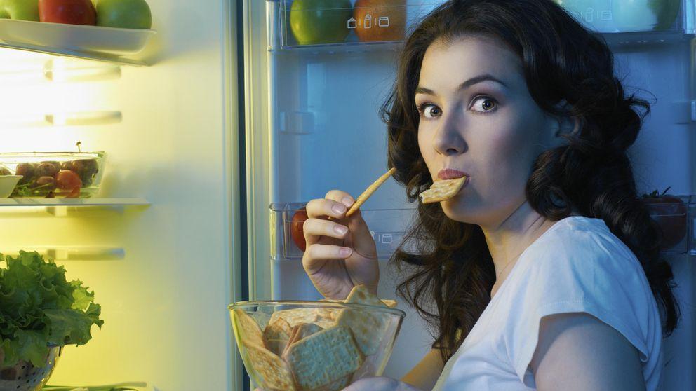 Diez claves para no engordar si no puedes evitar comer entre horas