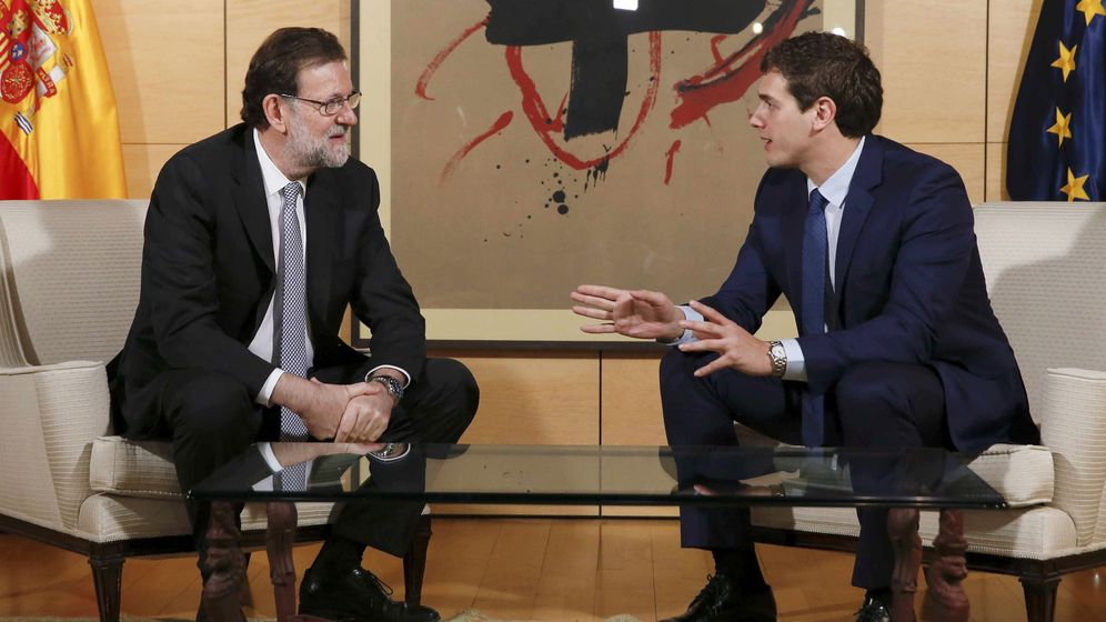 Foto: Mariano Rajoy y Albert Rivera se reúnen en el Congreso de los Diputados (Efe)