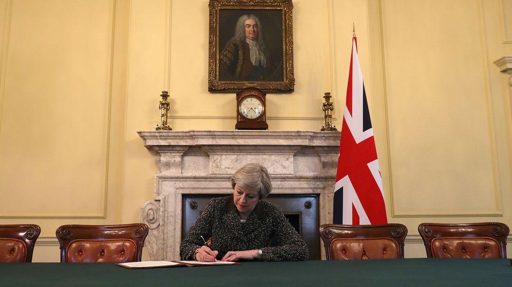 Foto: Theresa May firmó este martes la carta en la que invoca el artículo 50 del Tratado de Lisboa y solicita la salida de Reino Unido de la UE. (Reuters)