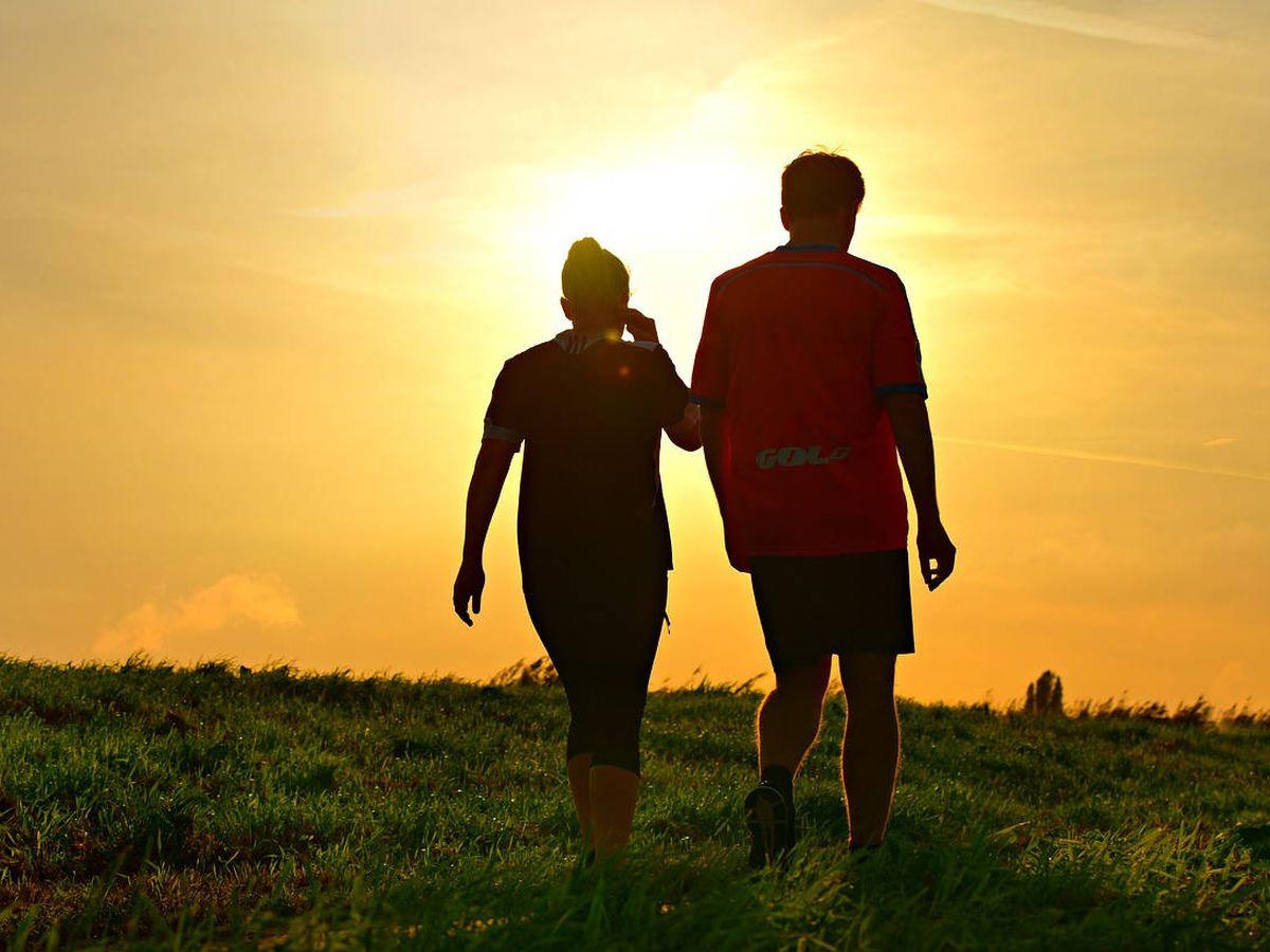 Foto: Caminar no solo ayuda a adelgazar, sino que tiene muchos beneficios (Pixabay)