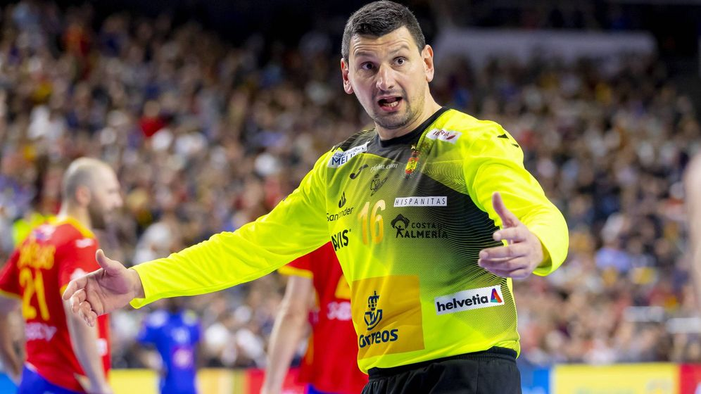 Foto: Arpad Sterbik llegó el sábado por la mañana a Colonia (Alemania) y por la tarde jugó el Francia-España. (Imago)